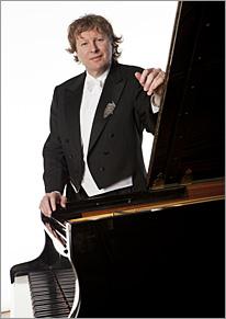 Pianist Piers Lane, Photo by Eric Richmond